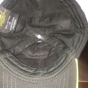f55d3045396 Old Navy Accessories - Extra Small Child s baseball cap  PRICE DROP